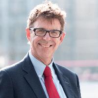 Prof. Erik Lutjens